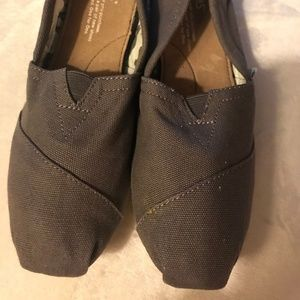 Toms Shoes Gray CLassic Canvas SZ 6